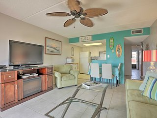 Quaint Beachfront Getaway w/Patio & Community Pool