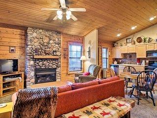 NEW! Cozy Studio Cabin Right Off the Branson Strip