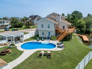 Bay Dreaming | 3010 ft from the beach | Dog Friendly, Private Pool