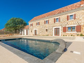 Nice home in Citluk w/ 4 Bedrooms and Outdoor swimming pool (CDJ671)