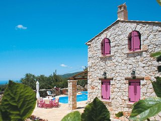 Charming villa, perfect for exploring the island