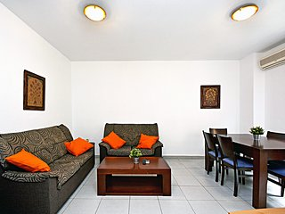 Apartamentos Plaza for short stay holidays.UAT425963