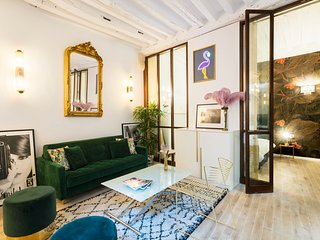 1095. COSY AND CENTRAL 2 BEDROOM APARTMENT