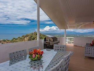 Casa Moreno, Manuel Antonio, Costa Rica. Close to Beaches, Marina, Tours, Shops!