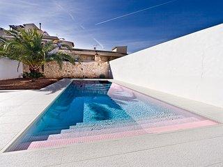Moderne Ferienwohnung mit Luxusausstattung und eigenem Pool in Colonia St. Jordi