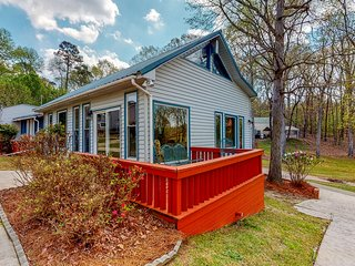 Dog-friendly lakefront home w/ private dock, gazebo, ping-pong & more!