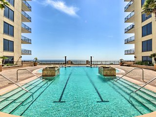 Breezy Panama City Beach Condo w/ Private Balcony!