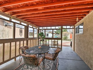 15 Mins to Old Town from Pet-Friendly ABQ Home!