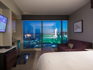 4 Bedroom Luxury Suite Center Strip at the Elara