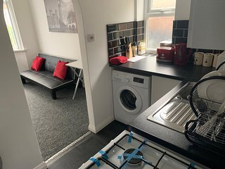 Watford Town Centre Apartment- Harry potter world+16 minutes to Central London