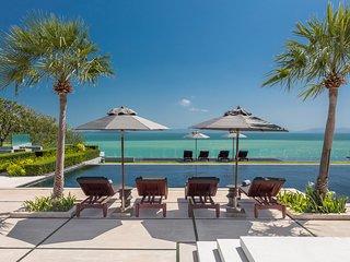 Villa Sawarin - Phuket Luxury Villa with 9 Bedrooms