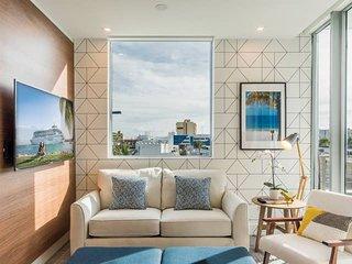 Luxury SoBe 2 bedroom apartment