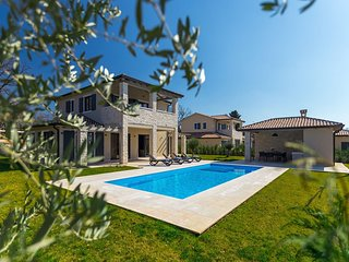 Beautiful Villa Sana, in Istria, with a Pool
