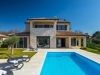 Beautiful Villa Una, in Istria, with a Pool