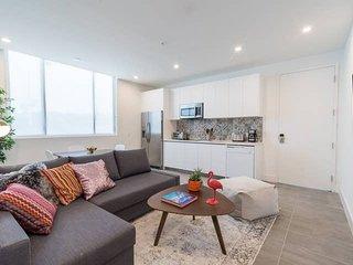 2 bedroom apt in South Beach, best location
