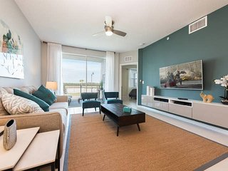 Beautiful 3 bedroom condo at Storey Lake