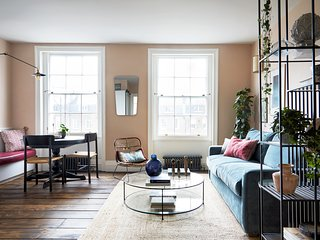 Luxurious Apartment - minutes from Angel Tube St.