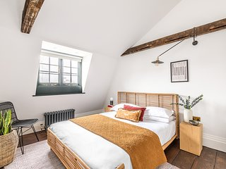 Bright & Cosy Loft Apartment - minutes from Angel Tube St.