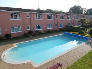 58 Esplanade Court Luxury Apartment, vacation rental in Paignton