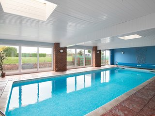 The Ling Lodges, Private Heated Indoor Swimming Pool just for you....