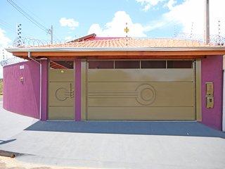 Casa de Temporada Violeta em Olimpia/SP - proximo ao Thermas dos Laranjais.