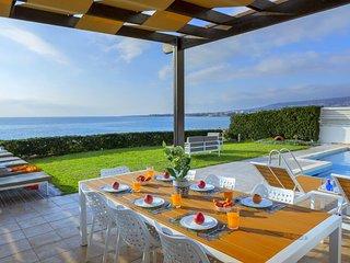 Poseidon Beach Villa