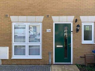 Dorla Homes - Luxurious 3 bedroom in Sittingbourne