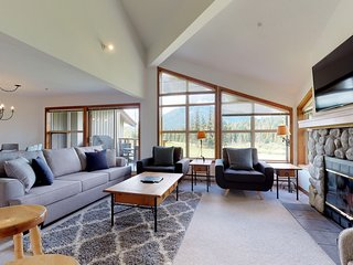 FREE ACTIVITIES - Spacious Family Home w/ Spectacular Views by Harmony Whistler
