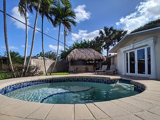 Private Waterfront Villa complete with Heated Pool, Hot Tub and Tiki Bar