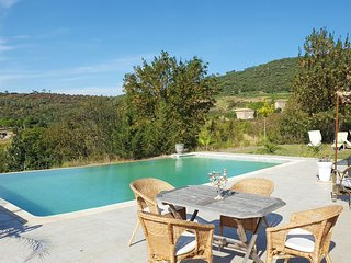 Le Manoir- Holiday Rental Retreat near Lac Salagou, Sleeps 10