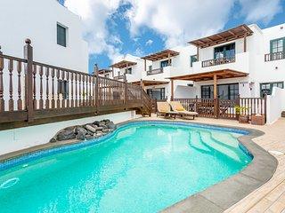 Beautiful Exotic Villa Casa Lila Traditional Fishing Village, Pool, Sea Front