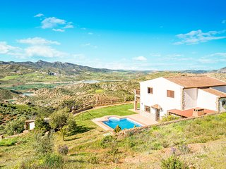 Amazing home in El Gastor with WiFi and 4 Bedrooms (EAC274)