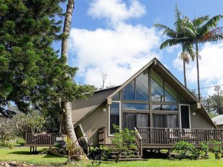 New Listing! Lovely Remodeled A-Frame w/ Deck & Balcony - Near the Beach