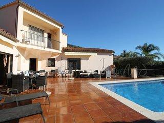Casa Maria-Espaciosa villa con jardín privado y piscina