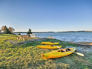 Oceanfront Sullivan Cottage on 6 Acres w/Kayak!