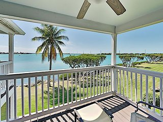 Waterfront Island Villa with Balconies, Aquamarine Ocean Views, Kayak & SUP