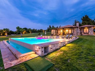 Stunning stone built villa with table tennis.