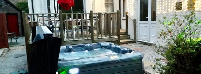 Decking, Hot Tub, Large Gas BBQ and fairy lights for the ultimate outdoor experience!