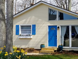 NEW! Chesapeake Cottage w/ Waterfront Lawn + Dock!