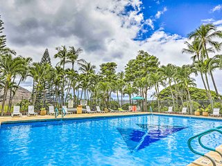 Makaha Studio w/Mtn & Ocean Views - 1 Mi to Beach!