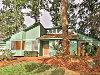 Long-Term Rental Home ~16 Mi to Downtown Portland!