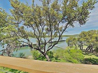 Lakeside Gem in Ridge Harbor w/ 2 Balconies, Tennis, Resort Pool & Boat Dock