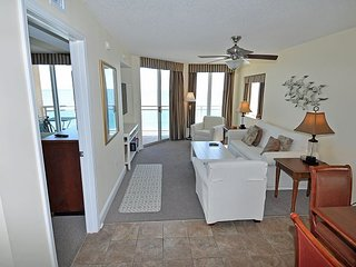 Direct Oceanfront Unit in Crescent Beach. Fantastic unit
