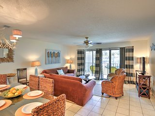 Edgewater Beach Resort Condo w/ 11 Pools & More!