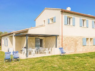 Amazing home in Bonnieux with WiFi and 3 Bedrooms (FPV603)