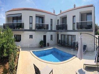 Veli Drvenik Apartment Sleeps 4 with Pool and Air Con - 5801748