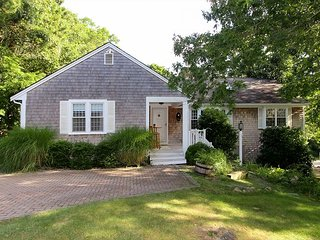Charming & Spacious Cape Cod Eden By the Beach   Pool, Hot Tub & Fireplace