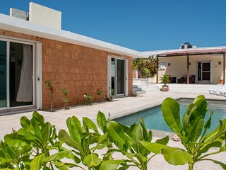 Newly remodeled 3 BR Beachfront house w/ pool