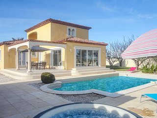 Amazing home in Marseillan with 3 Bedrooms (FLH214)