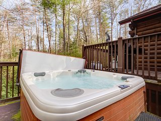Adorable, secluded cabin w/ private hot tub & furnished deck - dogs welcome!